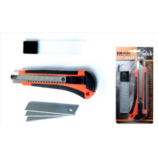 Cutter con bloqueo automático.  Dimensiones: 160 mm x 18 mm.